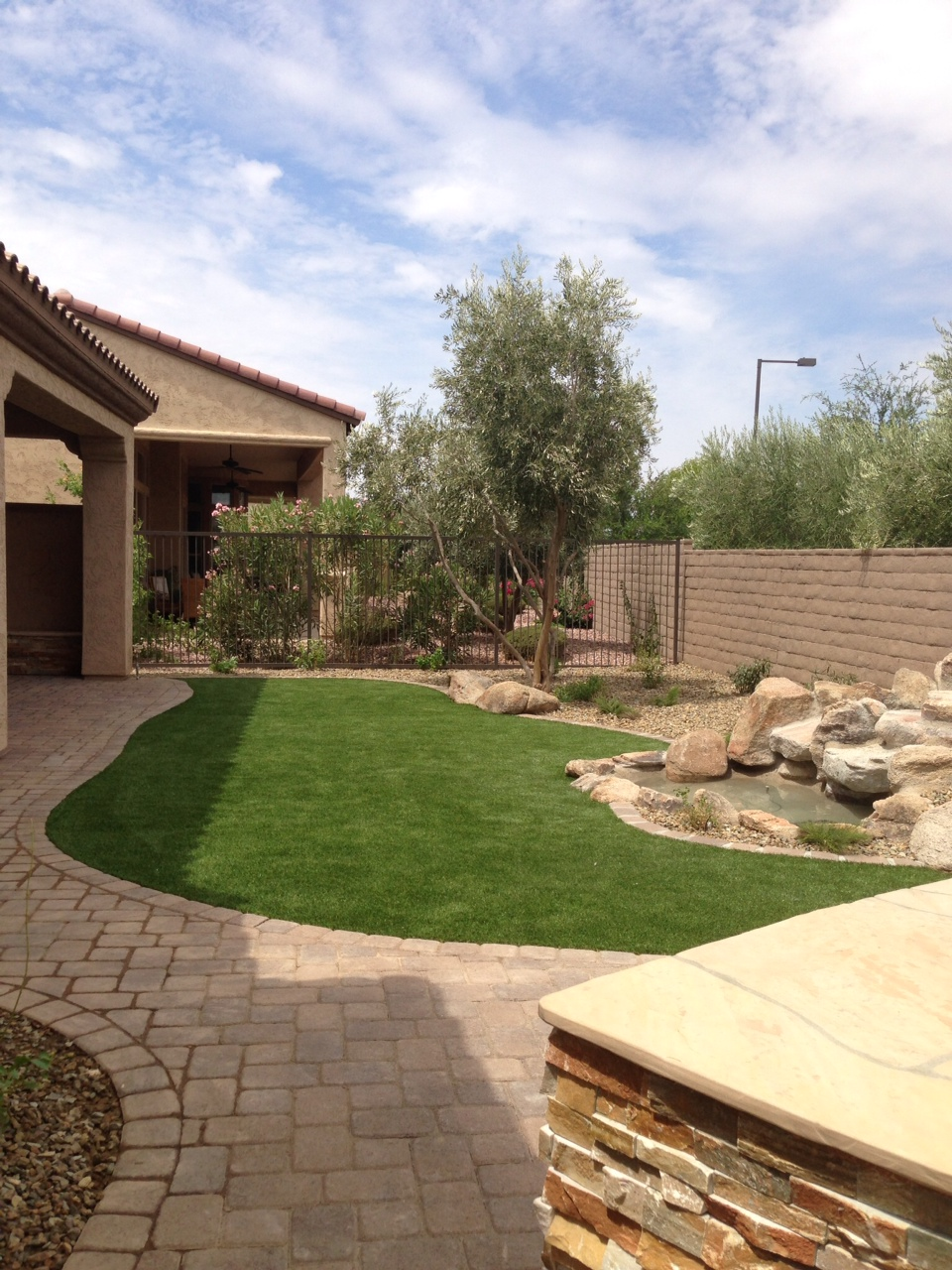 Artificial Turf and Putting Greens | Rolling Rock Landscape